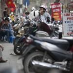 Les trottoirs d'Hanoi, parking à scooter