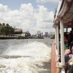 En bateau pour descendre le fleuve