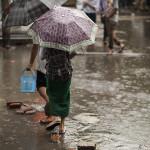Une rue de Yangon sous la pluie