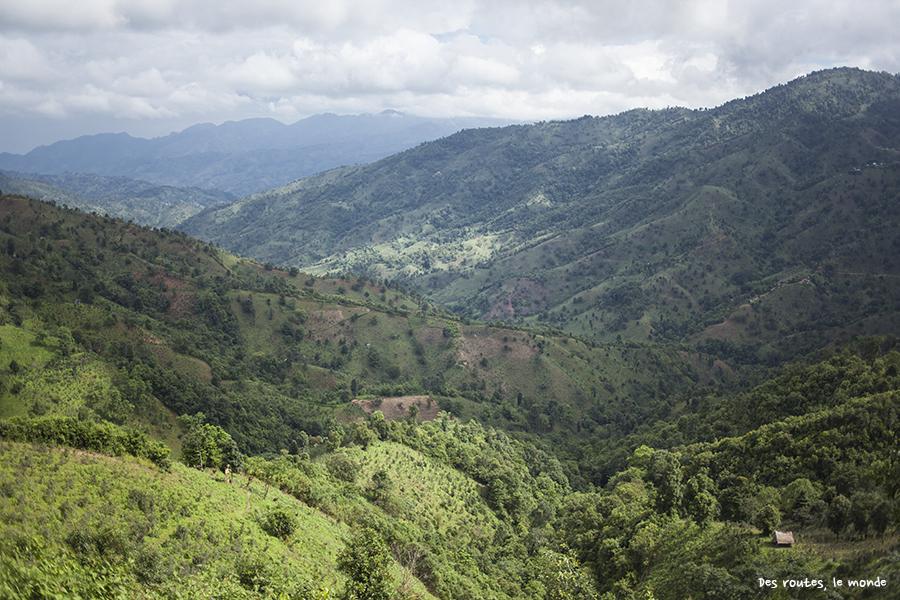Les montagnes près de Namhsan