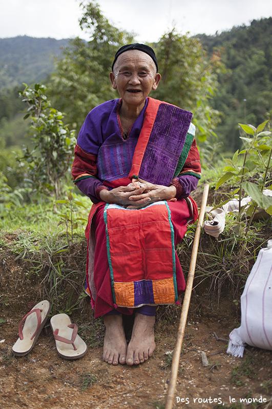 Une vieille dame de l'ethnie Palaung