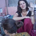 Du henné sur une main