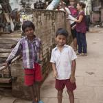Des enfants dans la rue